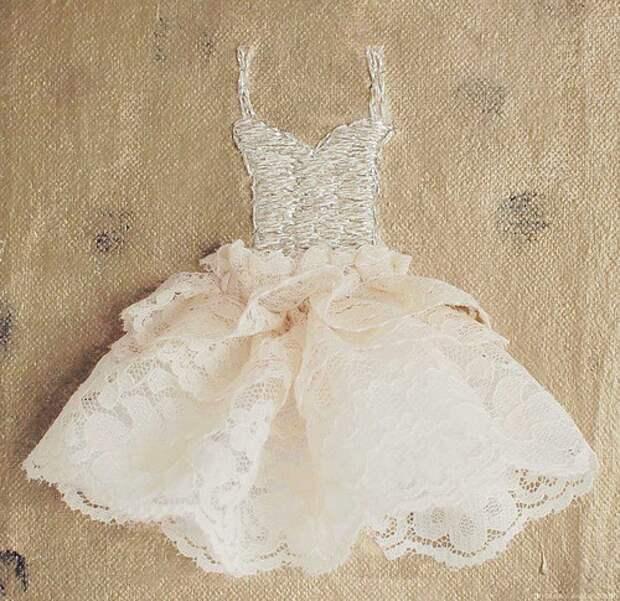 Полувышитое платье