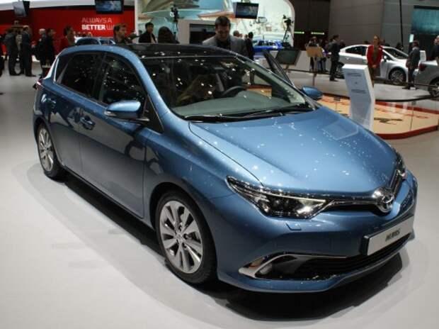 Обновленная Toyota Auris получила мотор BMW