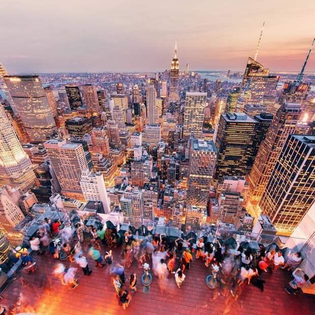 Американский путешественник-экстримал делает потрясающие фотографии городов