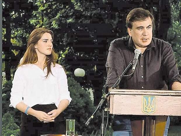 https://versia.ru/images/s/y/syn-tureckogo-prezidenta-i-gubernator-odessy-sbyvayut-neft-ig-3.jpg