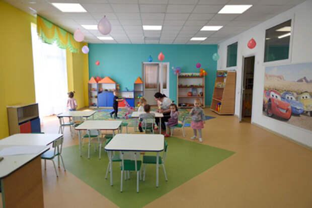 Депутат Госдумы РФ от Адыгеи Владислав Резник осмотрел объекты образования, построенные в рамках нацпроектов