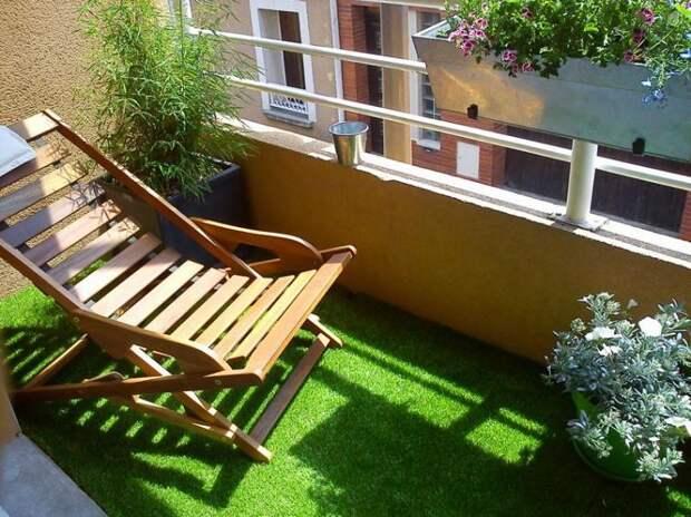 Если вы хотите быть ближе к природе, то постелите на пол искусственный газон дизайн, креатив, своими руками