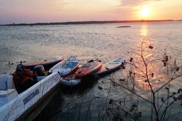 В Рязанской области спасли 27 серферов, которых ветром относило от берега