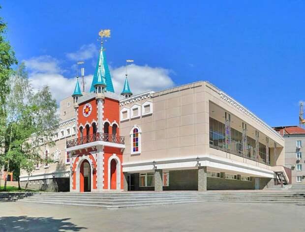 Театр кукол первым в Удмуртии представит спектакли с тифлокомментариями