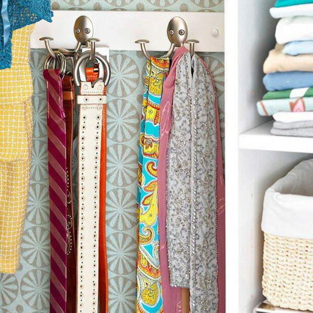крючки для ремней и шарфов в шкафу