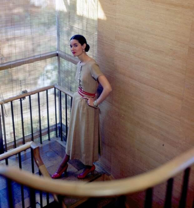 Гламурные 40-е: Колоритные снимки с обложек легендарного журнала Vogue