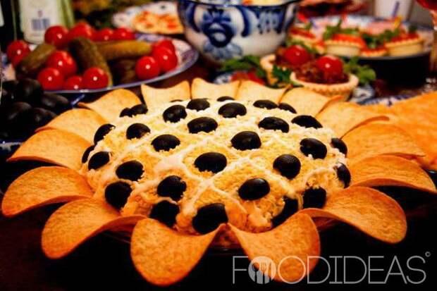 Салат «Подсолнух» с печенью трески