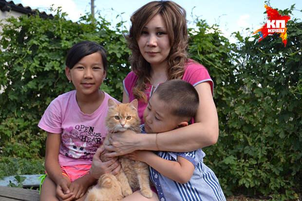 Хвостатый герой: под Саратовом кот Рыжик спас детей от ядовитой змеи