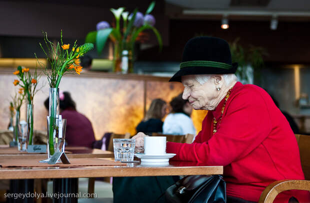 Почему европейские старички так отличаются от наших?