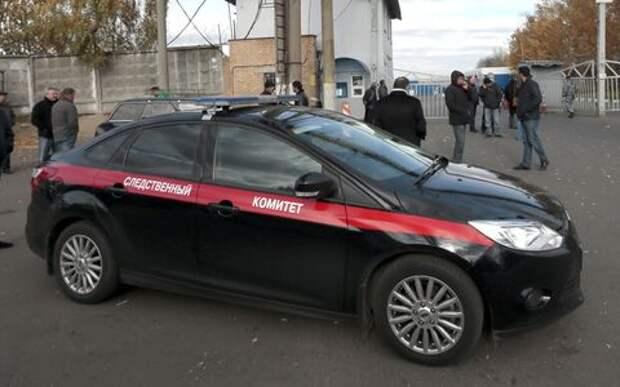 СК уволил сотрудника, разъезжавшего в трусах на служебном авто
