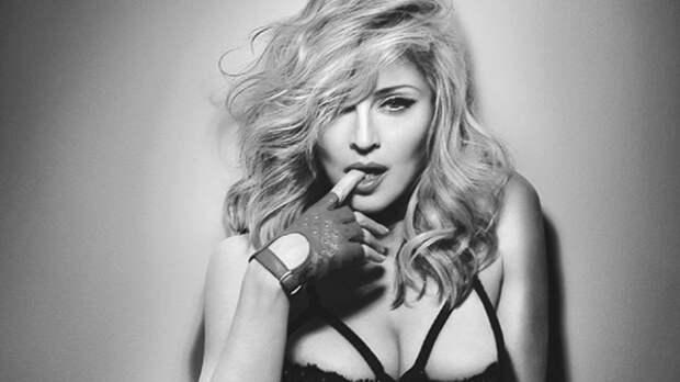 Поклонники осудили Мадонну за развратное поведение