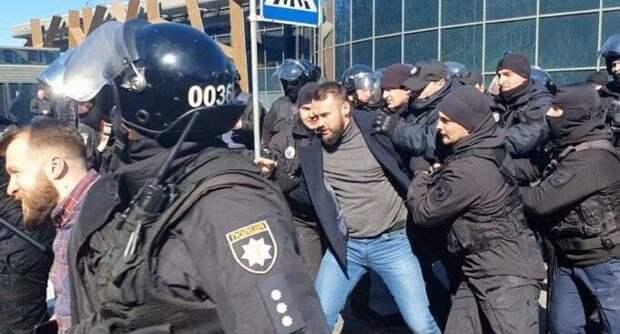 «Поднять уголовные дела»: Зеленский разозлился из-за нападения на Сивохо