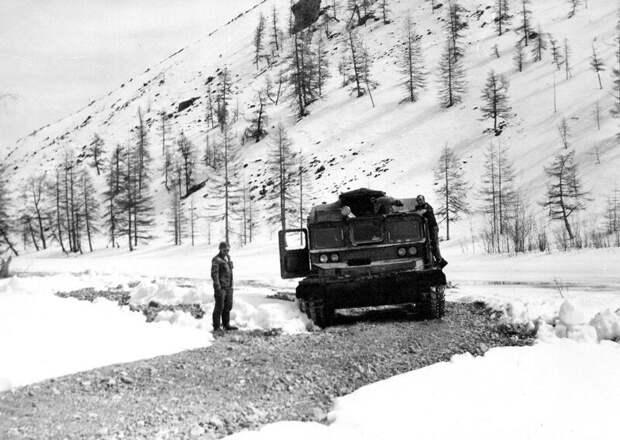 Мирный советский трактор история, колыма, техника