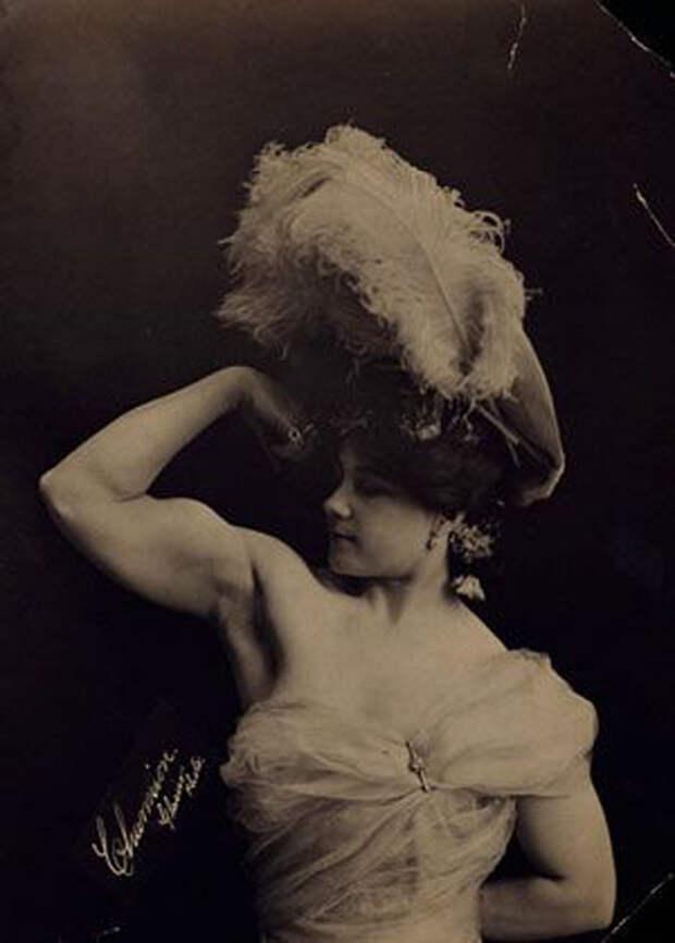 Laverie Vallee, более известная как  Charmion, 1900-е.