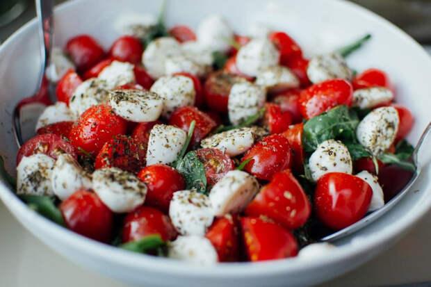 Моцарелла не содержит большое количество соли, поэтому его можно есть при диабете
