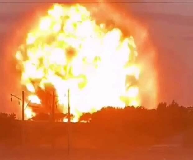 Пять человек погибли при взрывах в воинской части в Казахстане