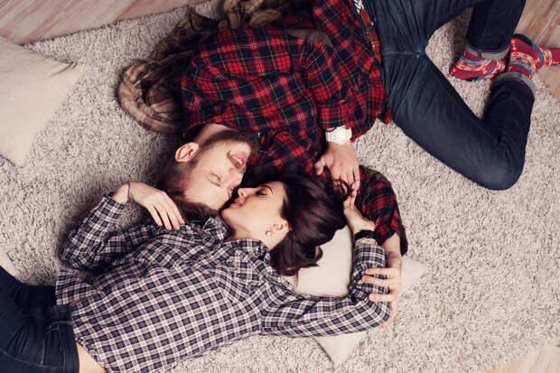 Почему заниматься сексом редко – это нормально? В гифках!