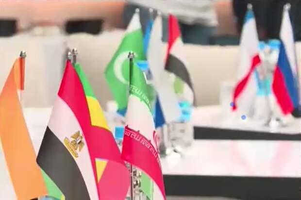 На бизнес-форум в Крыму приехали послы из Никарагуа, Южной Осетии, Мумбаи и стран Европы