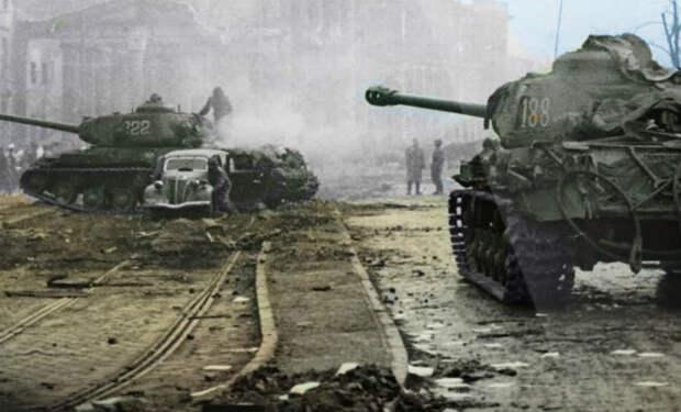 Танки ИС-2 вышли на битву за Берлин: цветные архивные кадры