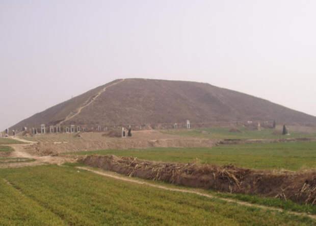 Белая пирамида, Китай