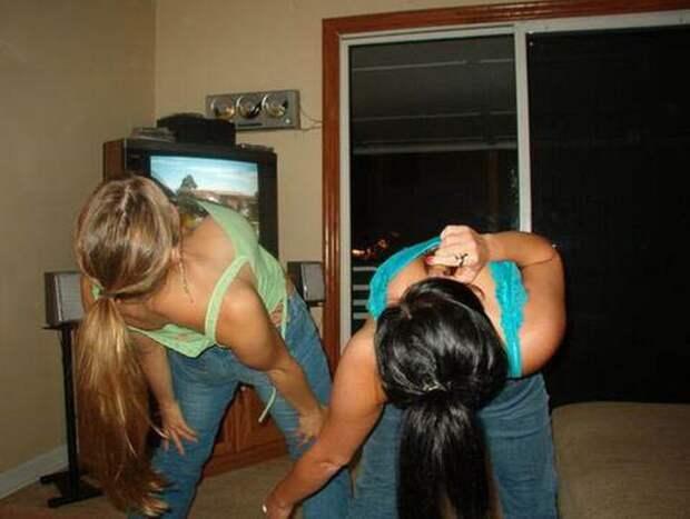 Девушки пьют алкоголь (27 фото)