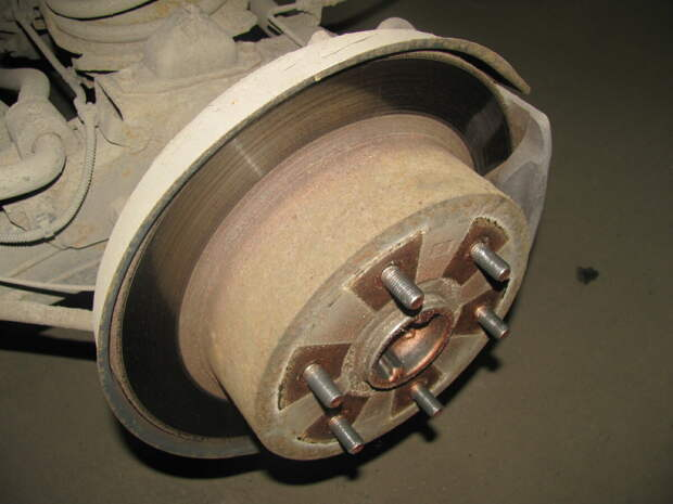 Задний тормозной диск