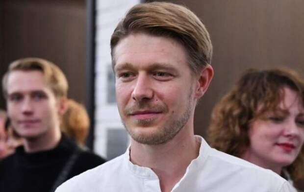 Сын Ефремова навестил находящегося под домашним арестом отца