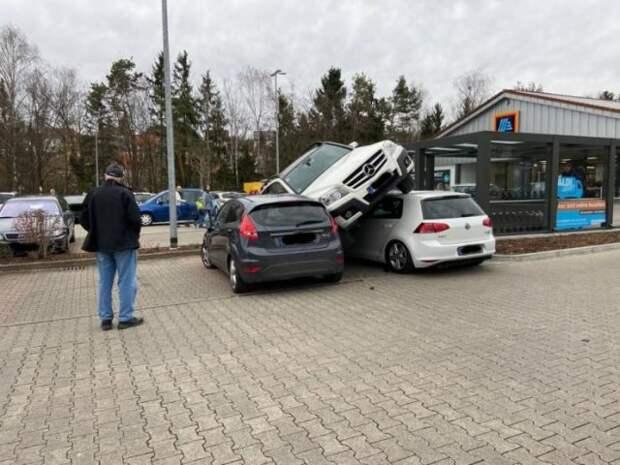 Авария трех автомобилей