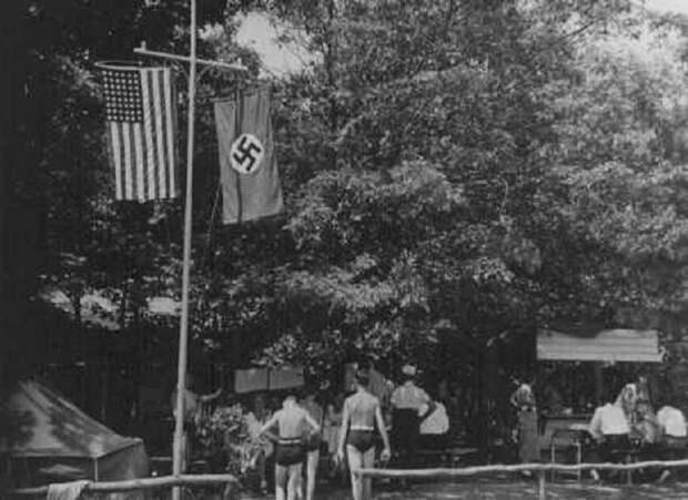 """Американской нацистский летний лагерь """"Зигфрид""""."""