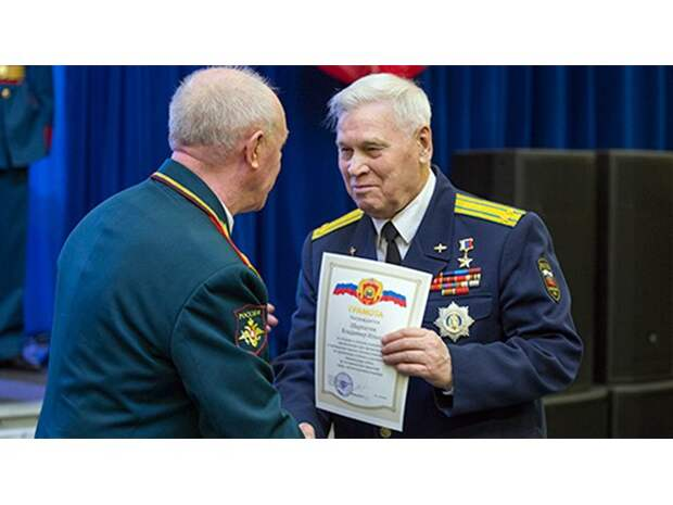 «Думали, нас расстреливать будут»: Герой России Владимир Шарпатов — о побеге экипажа Ил-76 из Кандагара
