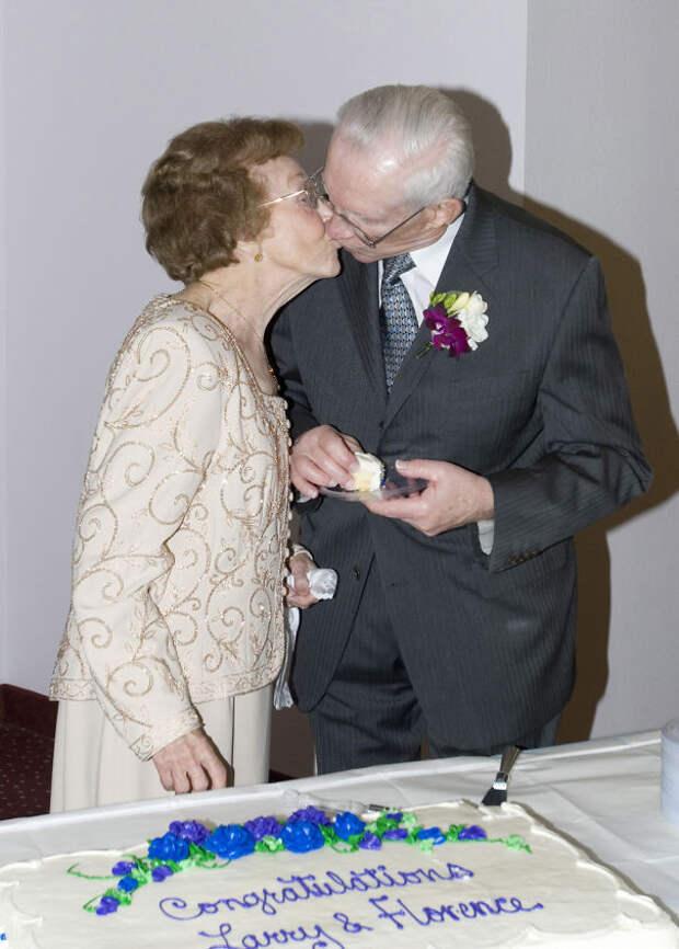 Ларри Шталь из Флоренции, 84, и Шталь, 87 лет, встретились в доме престарелых