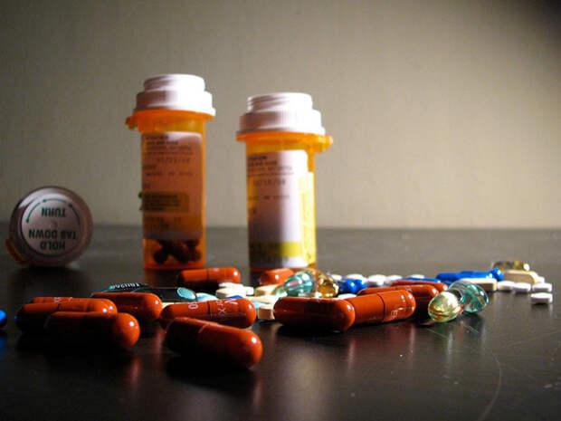 Что 9 самых популярных вредных веществ, включая алкоголь, ЛСД и кофеин, делают с мозгом