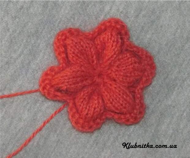 Вяжем цветочки спицами