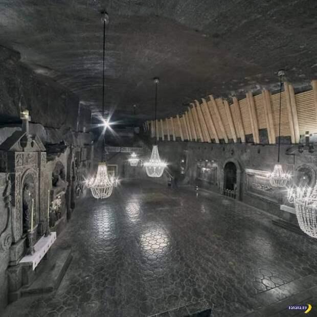 Польская соляная шахта выглядит как дворец