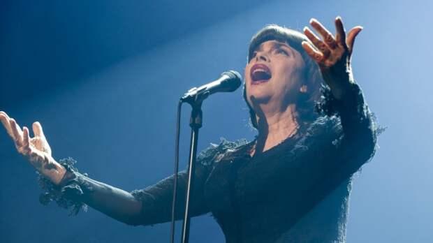Французская певица Мирей Матье в свой юбилей призналась России в любви