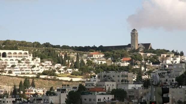 Привившиеся от коронавируса туристы смогут посещать Израиль с 1 июля