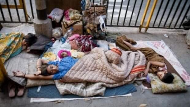 Из-за пандемии коронавируса нищими стали около 100 миллионов человек - Всемирный банк