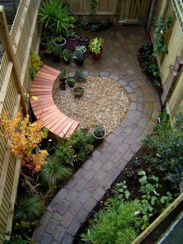 Элегантный внутренний дворик.   Фото: Beautiful Free Images & Pictures.