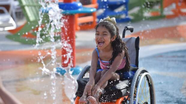 Первый в мире аквапарк для людей с ограниченными физическими возможностями