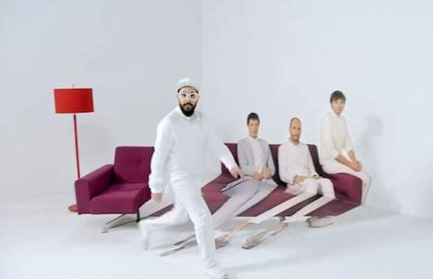 Удивительные оптические иллюзии в рекламе мебельного магазина