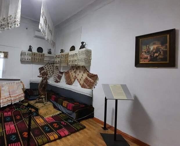 В Симферополе проходит выставка картин немецкого этнографа XIX века