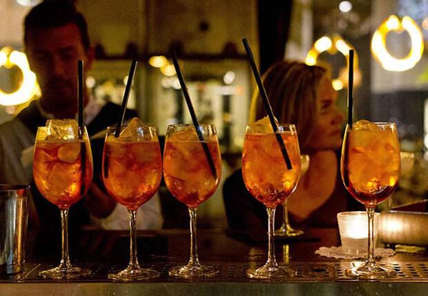 Дамиано Маццарелла: в Италии начинают пропускать ужины в пользу баров