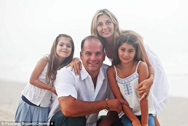 Паскаль Базелли с семьей