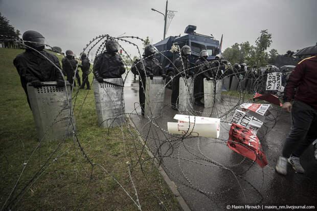 Беларусь. Протестующие пришли к Лукашенко.