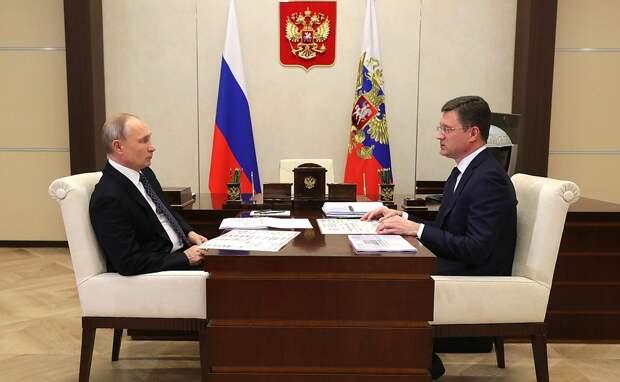 Не «хулиганить» с ценами на бензин призвал нефтяников Владимир Путин