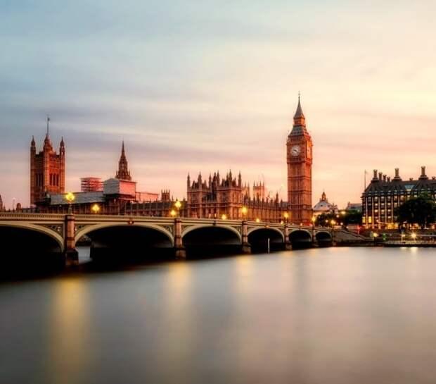 Великобритания ввела санкции против семи сотрудников ФСБ РФ