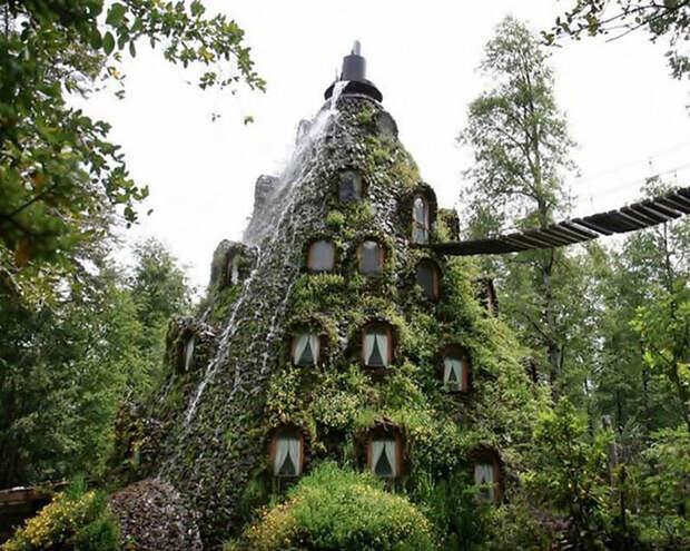 10 самых странных отелей мира