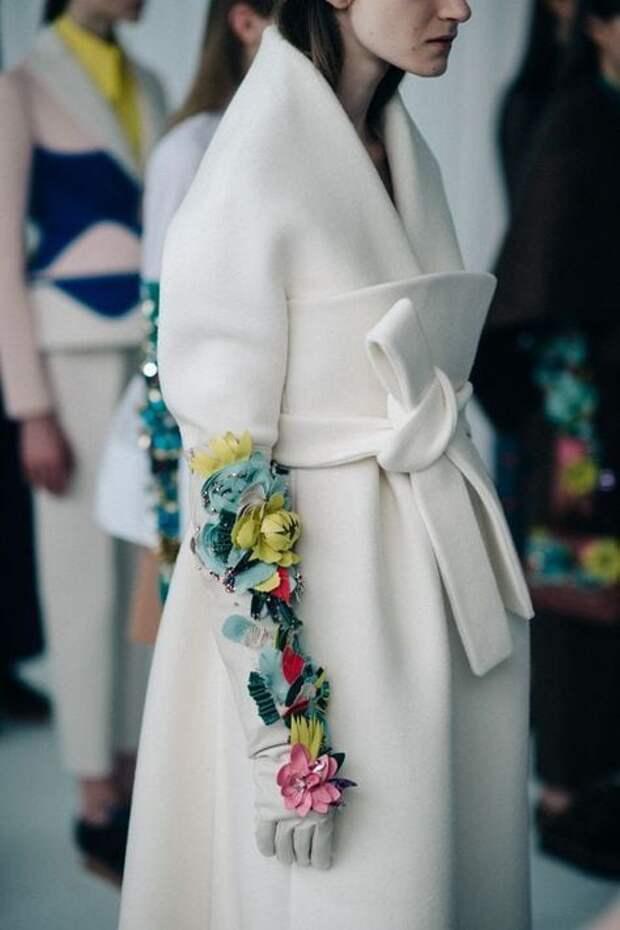 Пальто с вышивкой — яркий и индивидуальный акцент вашего гардероба