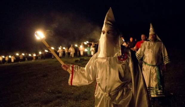 Трупы афроамериканцев стали находить в общественных местах в США