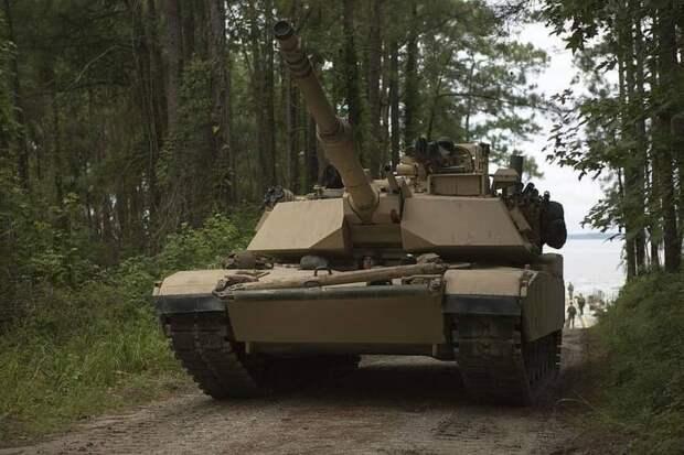 Десятки американских танков переброшены ближе к Беларуси